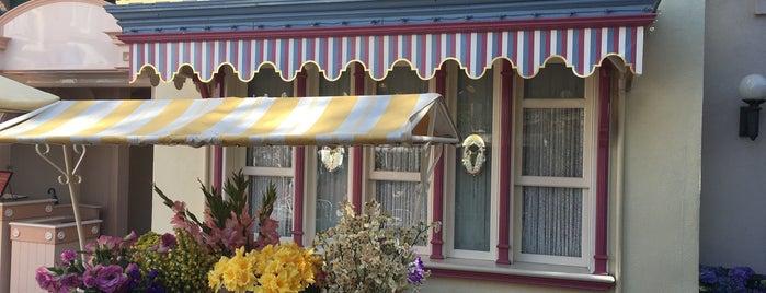 Main Street Lockers is one of Disneyland Fun!!!.