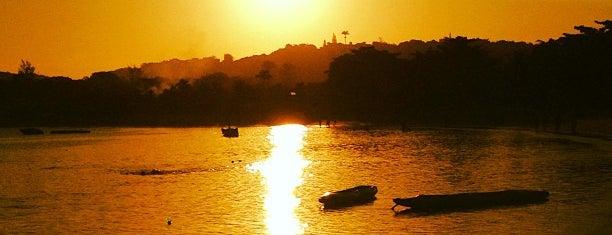 Praia da Ferradura is one of Região dos Lagos.