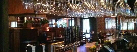 Seven Bridges Grille & Brewery is one of Must-visit Nightlife Spots in Jacksonville.