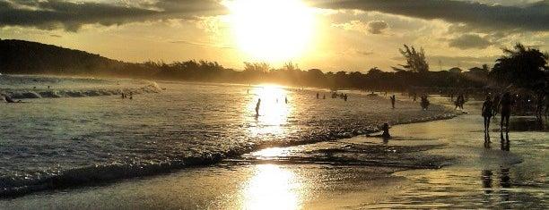 Praia de Geribá is one of Região dos Lagos.