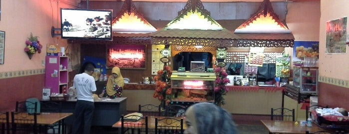 Deena Seafood2 is one of Top 10 restaurants when money is no object.