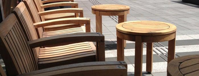 Starbucks Coffee 赤坂プルデンシャルタワー店 is one of スターバックス.
