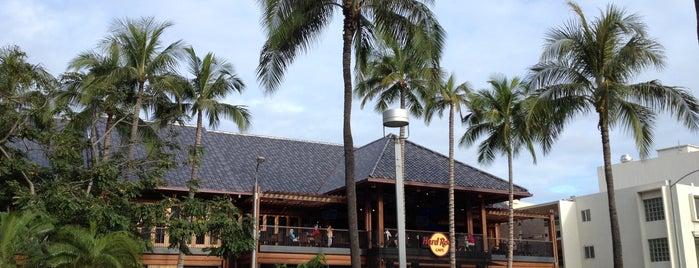 Hard Rock Cafe Honolulu is one of Hawaii Munchies.