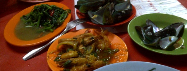 Sea Food Lamongan Jaya is one of All-time favorites in Indonesia.