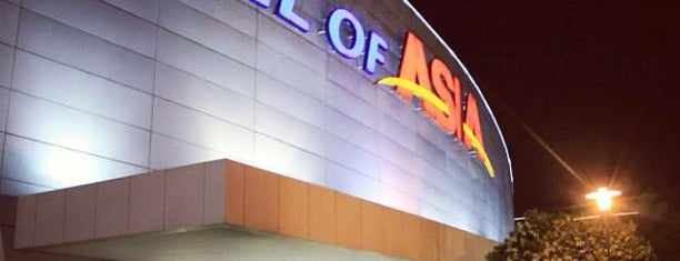 SM Mall of Asia is one of Consecutive Days.