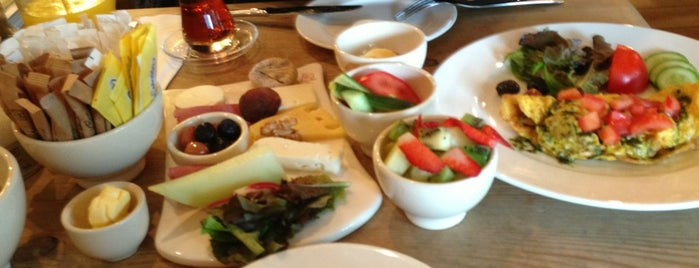 Le Pain Quotidien is one of Must-visit Food in Istanbul.