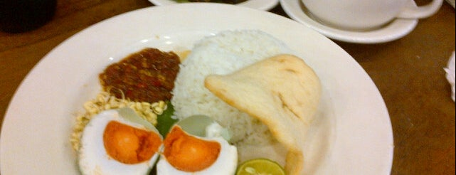 Kafe Betawi is one of Food Channel - BSD City.