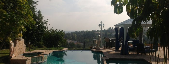 Stonegate Neighborhood is one of Destinations: The San Fernando Valley+.