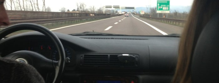 Raccordo A4 - A22 / (TO-VE) - (MO-Brennero) is one of A4 Autostrada Torino - Trieste.