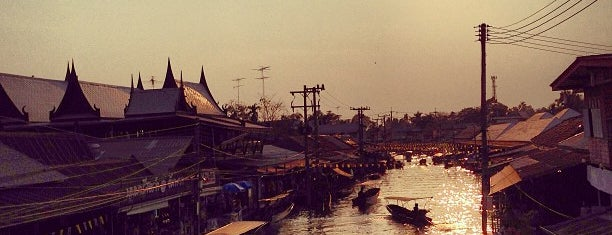 Amphawa Floating Market is one of Marketplace ¥.