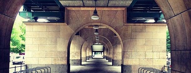 S+U Schönhauser Allee is one of Besuchte Berliner Bahnhöfe.