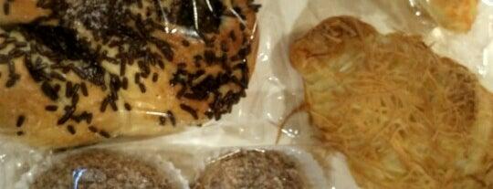D2 Bakery N Cafe is one of Baker Dozen Badge in Jakarta.