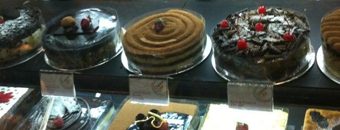 Cheese Cake Factory is one of Baker Dozen Badge in Jakarta.