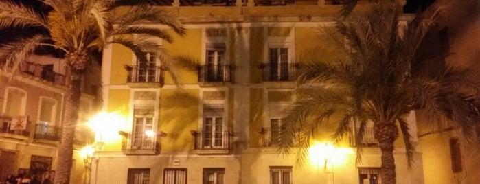 Plaza De Quijano is one of Alicante urban treasures.