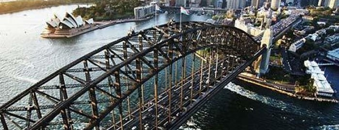 Sydney Harbour Bridge is one of Favorite Places Around the World.