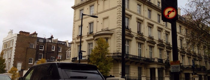 Paddington is one of London.