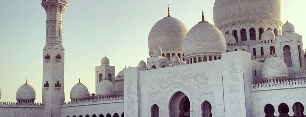 Sheikh Zayed Grand Mosque is one of Dream Destinations.