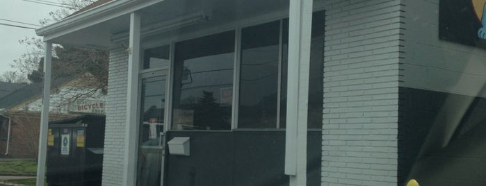 Harvey's Hot Dogs II is one of Triple D Restaurants.