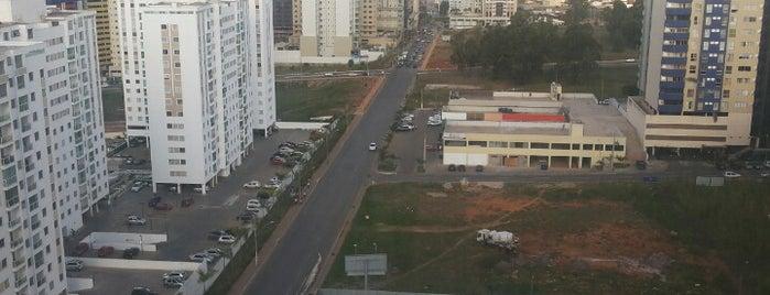 Avenida das Castanheiras is one of Lugares....