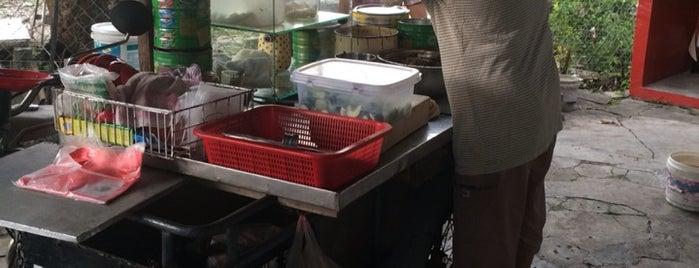 兵如港 Rojak@Road Side is one of Jalan Jalan Ipoh Eatery.