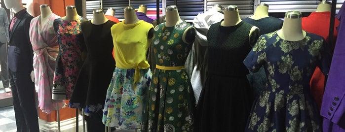 Yaly Couture is one of quê hương.