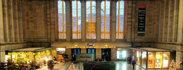 Leipzig Hauptbahnhof is one of Ausgewählte Bahnhöfe.