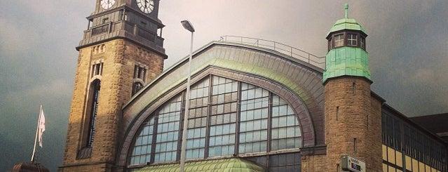 Hamburg Central Station is one of Ausgewählte Bahnhöfe.