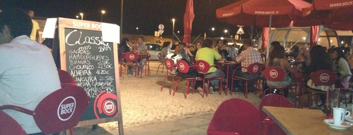 Pintus Caffe Bar is one of Late night food in Lisbon, Portugal.