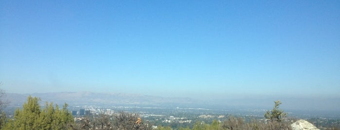 Topanga Canyon Lookout is one of Destinations: The San Fernando Valley+.