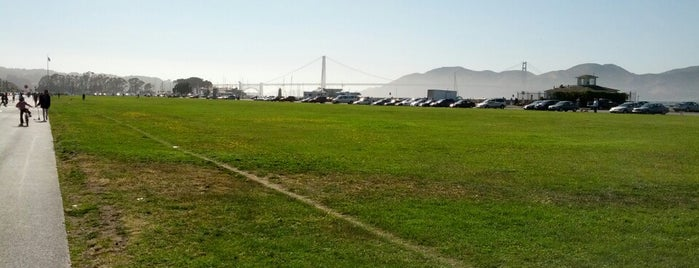 Marina Green is one of Must-visit Parks in San Francisco.