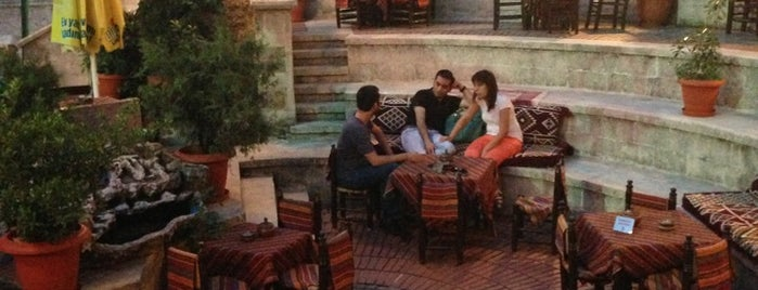 Ceneviz Cafe is one of Istambul food.