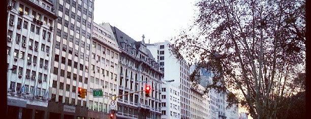 Plaza P. Gral. Agustín Justo is one of En la Ciudad.