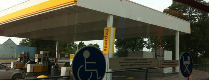 Shell Express Tankstation 't Schouw is one of Shell Tankstations.