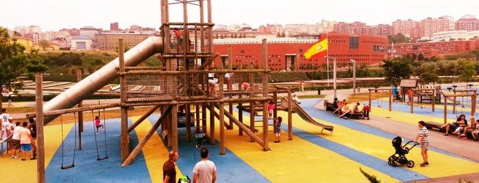 Parque de la Vaguada de las Llamas is one of Santander.