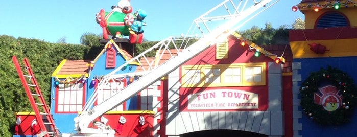 Fun Town Stage is one of Top LEGOLAND TIPS.