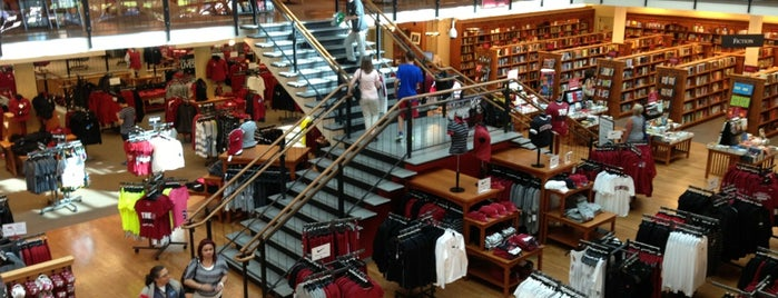 Stanford University Bookstore is one of californouze.