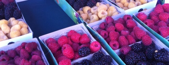 Pleasanton Farmers' Market is one of Food to try.