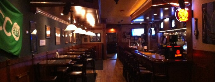 The Golden Fleece Tavern is one of Best Bars in Delaware to watch NFL SUNDAY TICKET™.