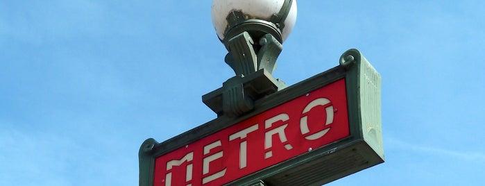 Métro Charles de Gaulle-Étoile [1,2,6] is one of Stations de metro a Paris.