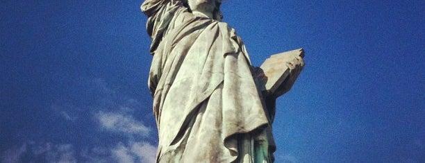 Statue de la Liberté is one of Paris Attractions.
