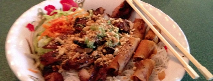 Minh Chau Vietnamese Restaurant is one of Favorite Spots to Hang Out.
