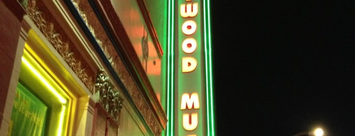 The Hollywood Museum is one of Los angeles.