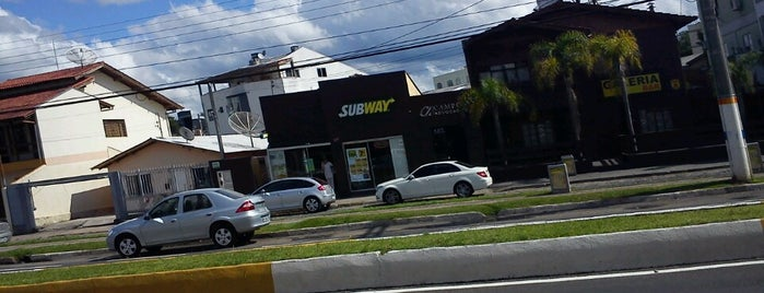 Subway is one of Gastronomia e Bares.