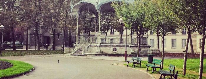 Place du Président Wilson is one of Dijon : rues & places.