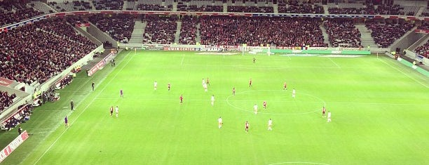 Stade Pierre Mauroy is one of Stades de Ligue 1.