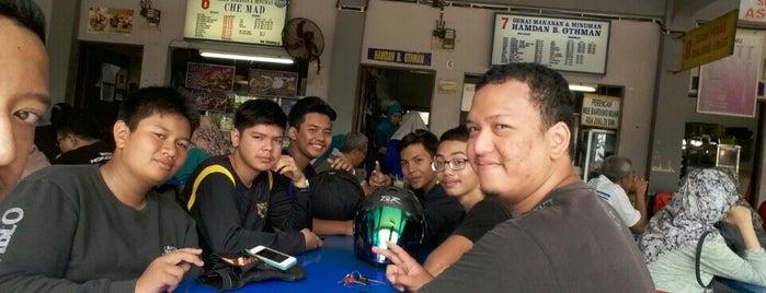 Medan Selera Tanjung Emas is one of Top 10 dinner spots in Muar, Malaysia.