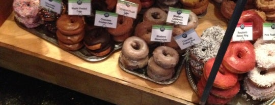 Top Pot Doughnuts is one of Food Paradise.