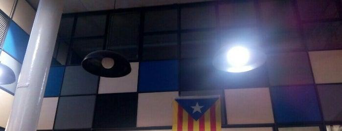 Societat Cultural i Esportiva La Lira is one of barcelona non touristic places.