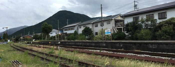 阿波加茂駅 (Awa-Kamo Sta.)(B22) is one of JR.