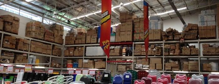 LOTTE Mart Wholesale is one of BALIKPAPAN.